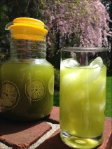 Product Review & Giveaway: Kiss Me Organics Matcha GreenTea